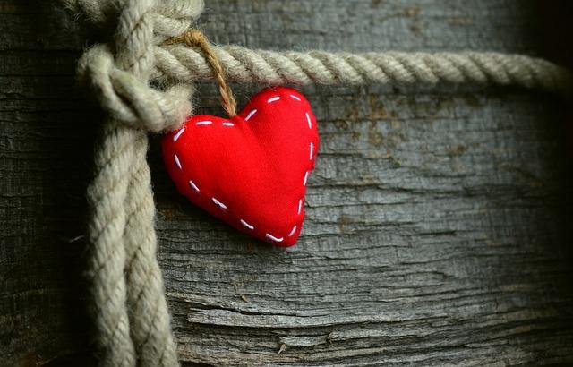 3 powody, dla których czytamy romanse