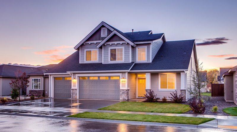 Bramy garażowe – który z 3 rodzajów warto wybrać?