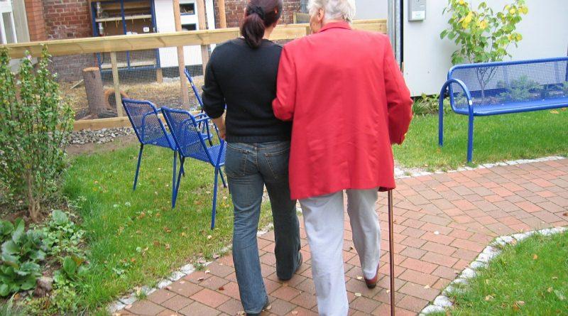 Pierwsze oznaki choroby Alzheimera – co powinno nas zaalarmować?
