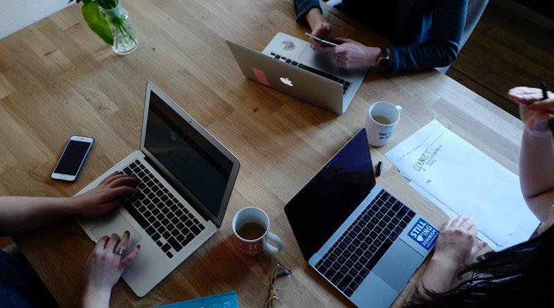 Telefon konferencyjny, czyli jak usprawnić pracę zespołową