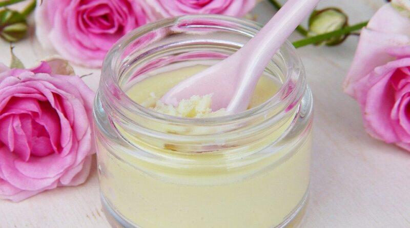 Czym są kosmetyki naturalne – odkryj zalety naturalnej pielęgnacji ciała, skóry?