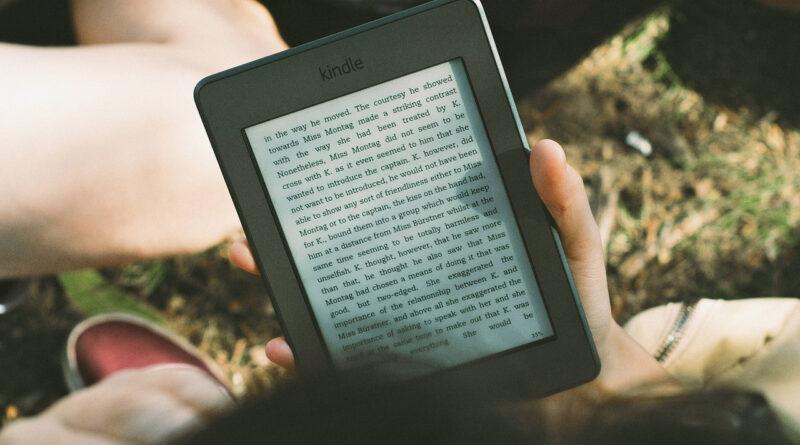 Książki elektroniczne (ebooki) a książki drukowane: jaka jest różnica?