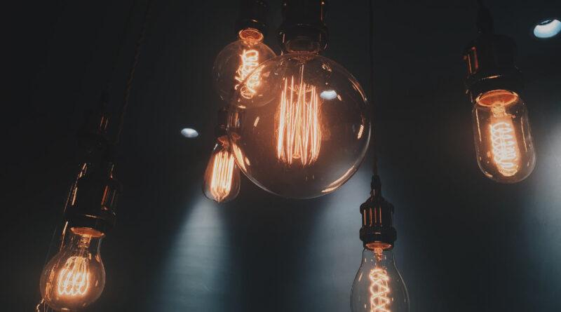 Kable i przewody elektryczne – gdzie je kupić?